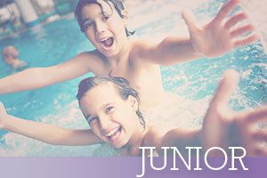 Junior-2-kids-splashing-in-pool