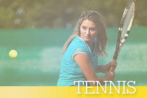 Tennis-woman-hitting-ball